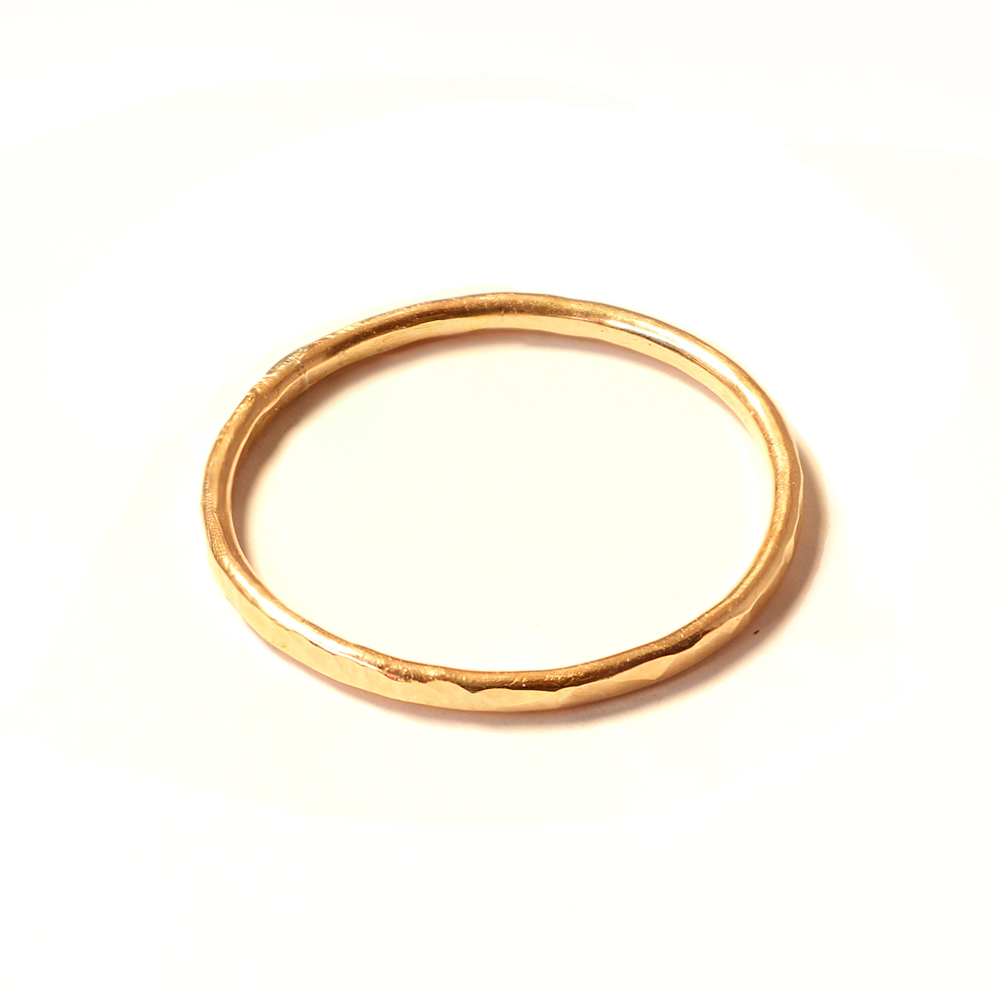 single-gold-ring-stacked